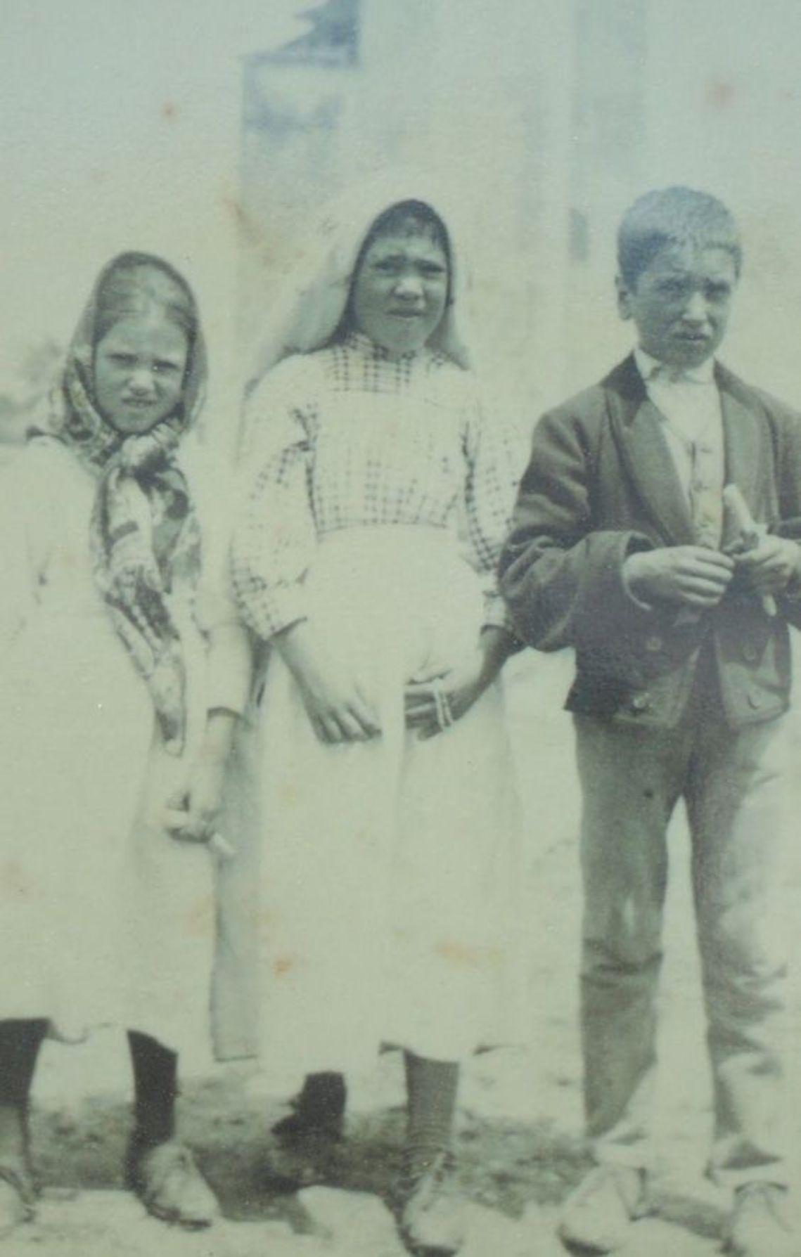 Jacinta, Lúcia e Francisco.