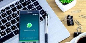 Sacerdote de 84 anos dirige uma paróquia virtual por WhatsApp