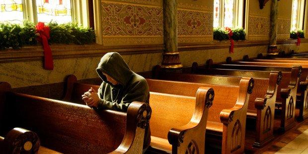 Jesus continua clamando Não me deixem sozinho nos sacrários