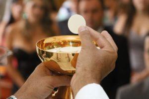devemos comungar em pecado mortal