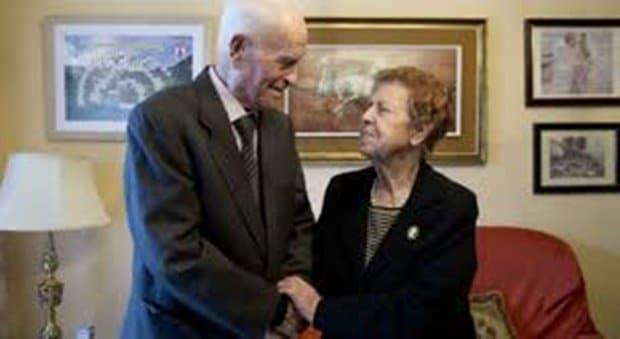 Ele tem 100 anos e ela 95 Têm 75 anos de casados e compartilham a chave do êxito