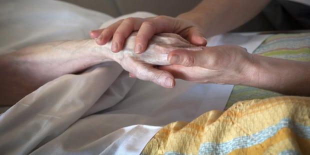 Para pedir a graça da cura do câncer ]oração ao santo que carregou essa mesma cruz