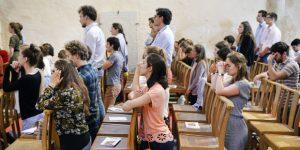 Como convencer as famílias a irem mais à Missa Veja o que esta paróquia fez