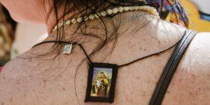 Nossa Senhora do Carmo e o escapulário que salva do inferno
