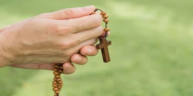 Poderosa oração do terço para quem procura emprego
