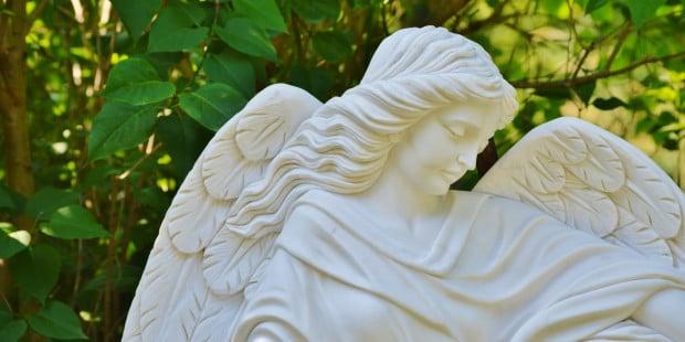Senhor, envia teus anjos para proteger as pessoas a quem amo