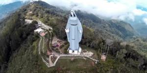 Esta imagem da Virgem Maria é mais alta que a Estátua da Liberdade